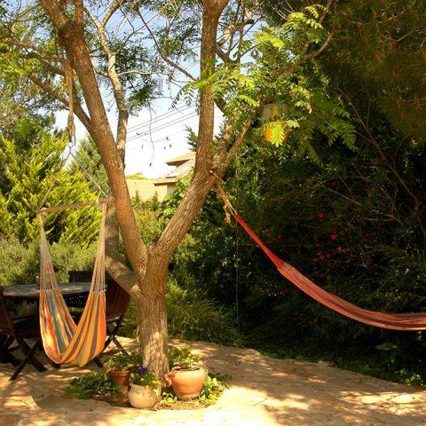 גן פרטי 2, מנוף